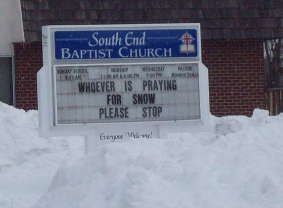 funny-snow-blizzard-church-sign-whoever-is-praying1