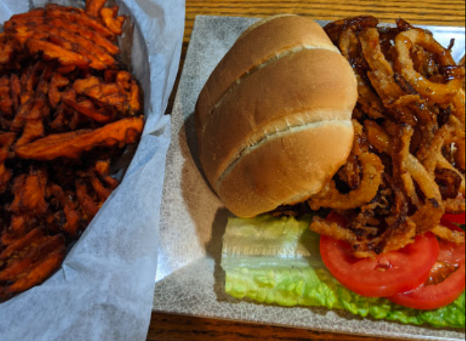 Broadway Bar and Grill burger picture by Ryan Folmsbee in 2019